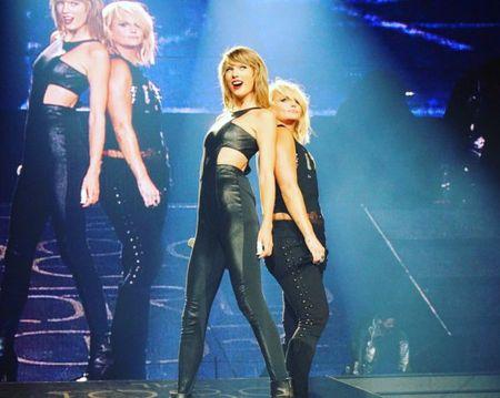 """Diem mat khach moi """"khung"""" trong tour dien cua Taylor Swift - Anh 10"""