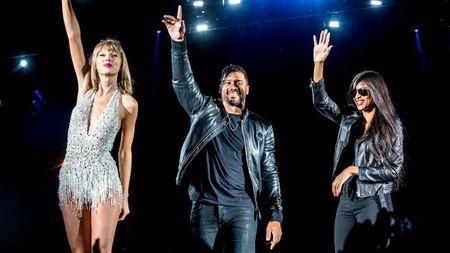 """Diem mat khach moi """"khung"""" trong tour dien cua Taylor Swift - Anh 13"""