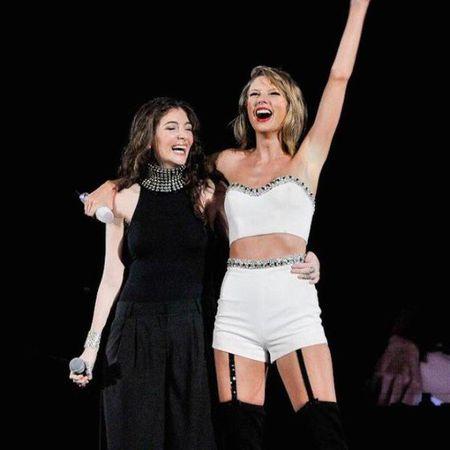"""Diem mat khach moi """"khung"""" trong tour dien cua Taylor Swift - Anh 17"""