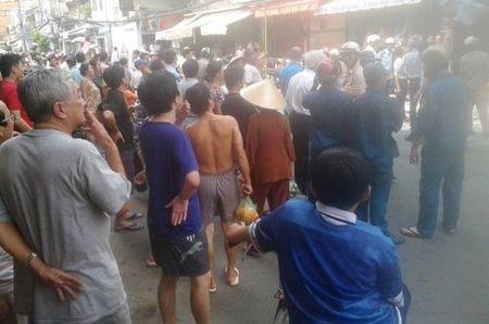 TP.HCM: Lai chay gan cau Ong Lanh - Anh 2