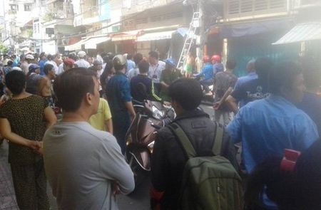 TP.HCM: Lai chay gan cau Ong Lanh - Anh 3