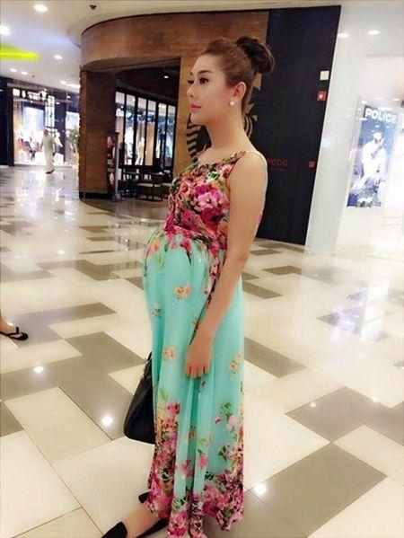 """Lam Chi Khanh """"do khoc do cuoi"""" vi anh mang bau - Anh 1"""