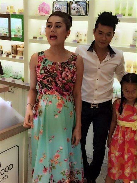 """Lam Chi Khanh """"do khoc do cuoi"""" vi anh mang bau - Anh 2"""