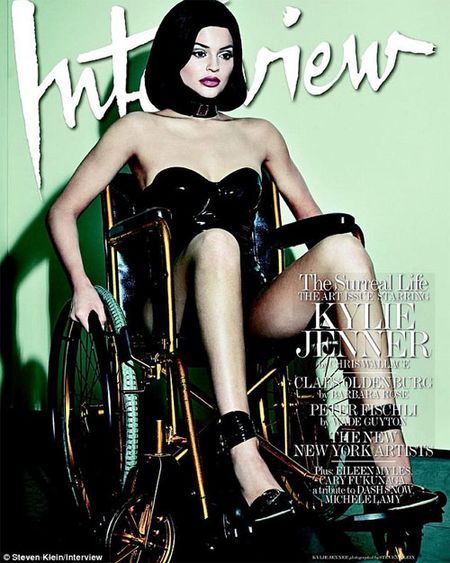 Mat trai cuoc song hao nhoang cua hot girl Hollywood - Anh 4