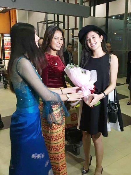 Huyen My xinh dep rang ro voi quoc phuc Myanmar - Anh 6