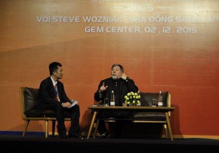 "Dong sang lap Apple: ""Viet Nam co the tu san xuat may bay"" - Anh 3"