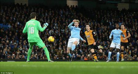 Capital One Cup: Silva tro lai, De Bruyne ruc sang dua Man City vao ban ket - Anh 1