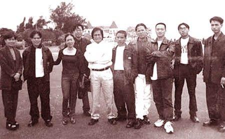 Ngu dai gia dinh giang ho: Gia toc Ha Thanh - Anh 2