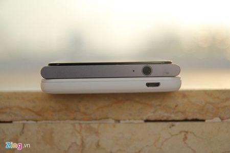 So sanh 2 smartphone tam gia 6 trieu vua ban o VN - Anh 6