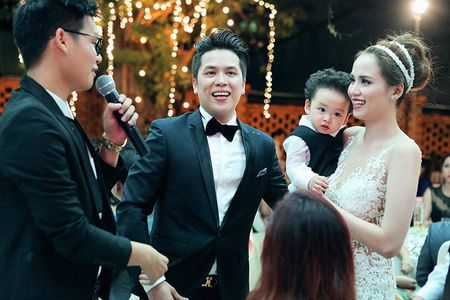 Ngam con trai dang yeu cua Hoa hau Diem Huong - Anh 3