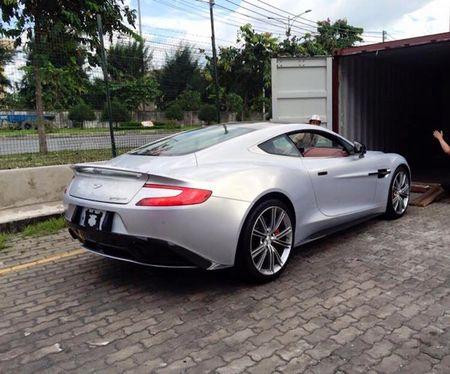 Chi tiet sieu xe Aston Martin Vanquish dau tien ve Viet Nam - Anh 3