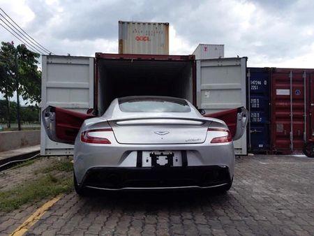 Chi tiet sieu xe Aston Martin Vanquish dau tien ve Viet Nam - Anh 5