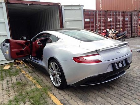 Chi tiet sieu xe Aston Martin Vanquish dau tien ve Viet Nam - Anh 6