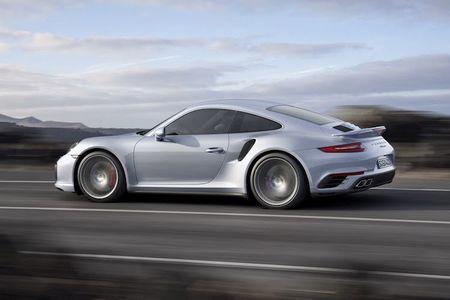 Sieu xe Porsche 911 Turbo ra mat phien ban moi - Anh 9
