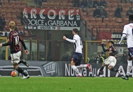 Vong 4 Coppa Italia: Ket cuc khong ngo cua AC Milan - Anh 1