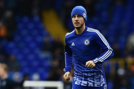 "Chelsea bat ngo ""bat den xanh"" vu Hazard - Anh 1"