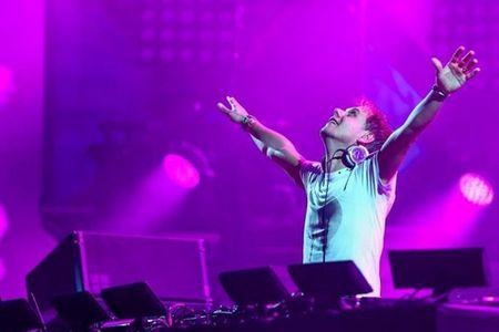 DJ Armin van Buuren mang cong nghe khung nhat the gioi den Viet Nam - Anh 1