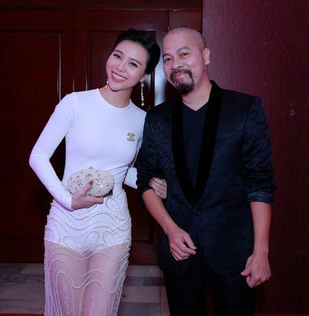 NTK Duc Hung sanh doi A hau Tra Giang tren tham do - Anh 3