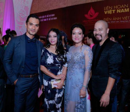 NTK Duc Hung sanh doi A hau Tra Giang tren tham do - Anh 4