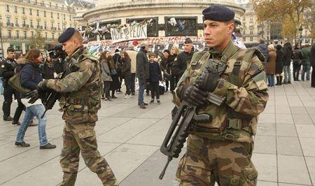 Ke khung bo Paris da vuot qua bien gioi 6 nuoc de den Syria? - Anh 2