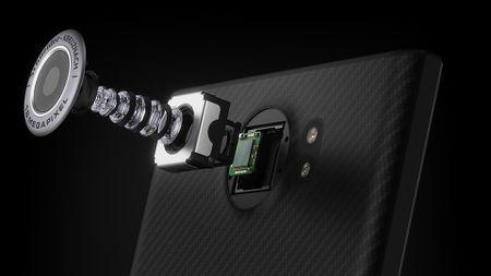 BlackBerry chia se ve qua trinh thiet ke Priv: su hoa hop giua full-touch va ban phim cung - Anh 5