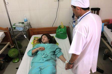 17 cong nhan ngo doc khi CO tai kho dong lanh - Anh 1
