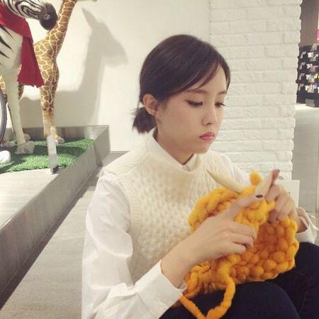 Hoc cach dan mu beanie soi to xinh iu nhu Park Shin Hye - Anh 4