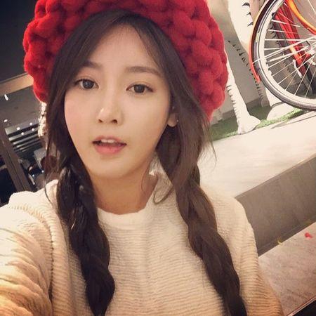 Hoc cach dan mu beanie soi to xinh iu nhu Park Shin Hye - Anh 5