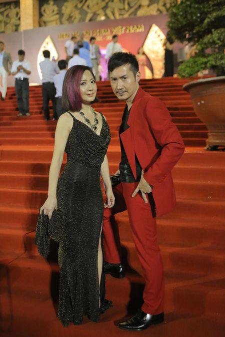 Cuu ca si TVB Hong Kong bat ngo tham du LHP Viet Nam 2015 - Anh 1