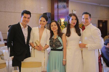 Cuu ca si TVB Hong Kong bat ngo tham du LHP Viet Nam 2015 - Anh 6
