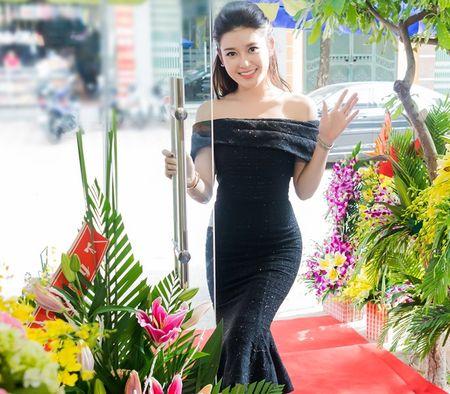 Style doi thuong tre trung, cuon hut cua A hau Huyen My - Anh 7