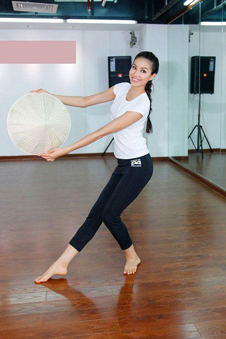 Hoa hau Pham Huong len duong du Hoa hau Hoan vu The gioi 2015 - Anh 8