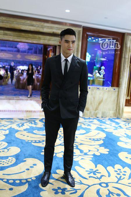 Loat sao Viet den chuc mung Ha Ho khai truong tham my vien - Anh 12
