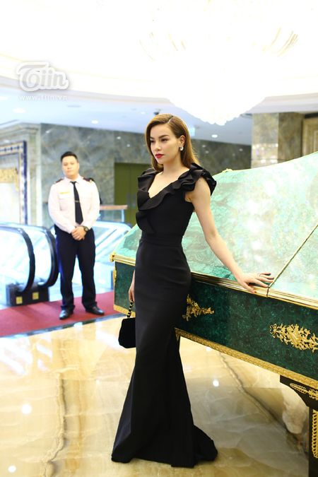 Loat sao Viet den chuc mung Ha Ho khai truong tham my vien - Anh 3