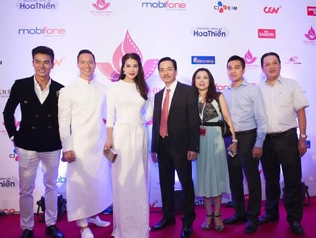 Truong Ngoc Anh – Kim Ly 'khoe sac' tai tham do - Anh 4