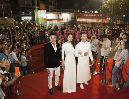 Truong Ngoc Anh – Kim Ly 'khoe sac' tai tham do - Anh 6