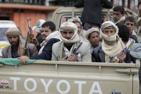 Al Qaeda chiem 2 thi tran tai Yemen - Anh 1