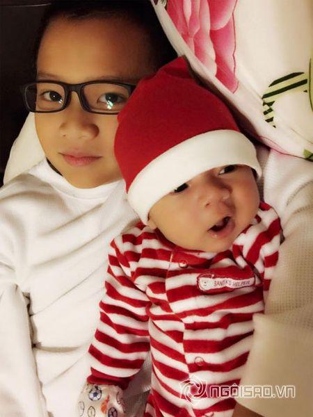 Con trai moi sinh nha Hong Ngoc cuc khau khinh va dang yeu - Anh 1