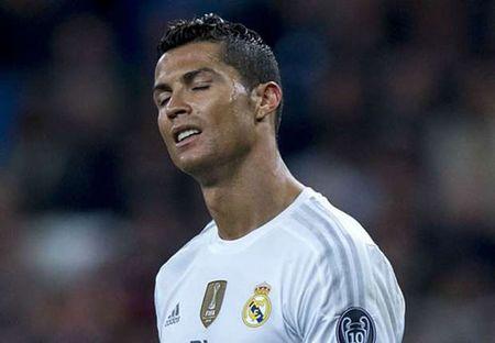 Tin HOT sang 2/12: Benitez so Ronaldo kiet suc - Anh 1