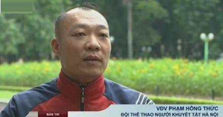 "Kham phuc VDV di bang 2 ghe: ""Ong chu"" dua xe lan - Anh 1"