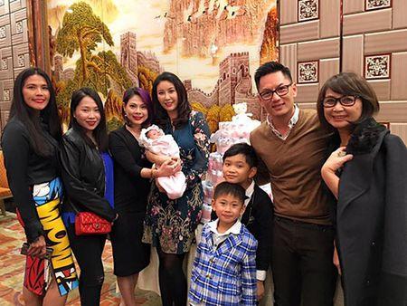 Hoa hau Ha Kieu Anh to chuc tiec day thang cho con gai ut - Anh 6