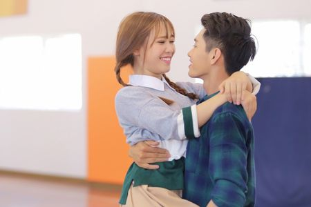 Co hoc tro nho cua My Tam ra MV 'Soai ca' cuc dang yeu - Anh 3