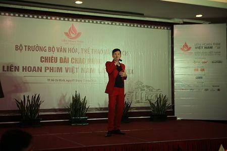 Cuu ca si TVB bat ngo tham du LHP Viet Nam - Anh 2