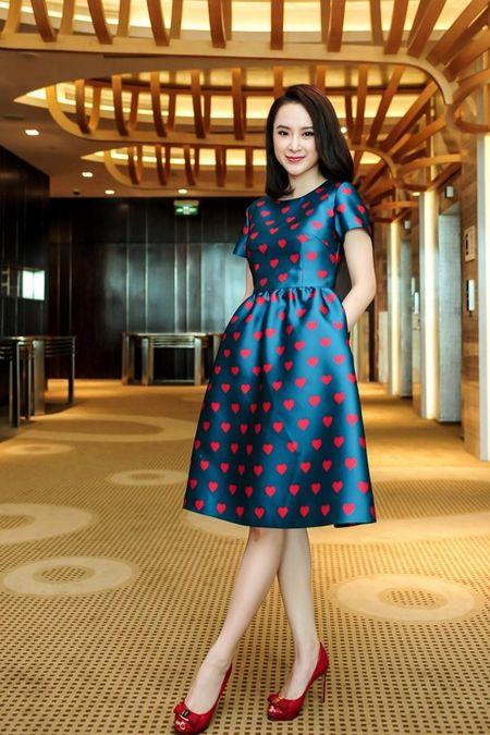 Nhan sac thay doi kinh ngac cua Angela Phuong Trinh sau 10 nam - Anh 12