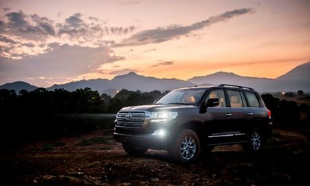 Chi tiet Toyota Land Cruiser 2015 gia hon 2,8 ty dong - Anh 5