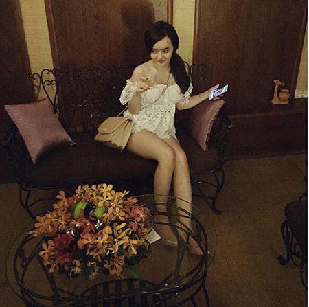 Phuong Trang lien tuc ho bao vuot mat Angela Phuong Trinh - Anh 9