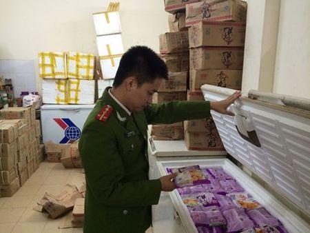 Tam giu 600 goi khoai mon lau do Trung Quoc san xuat - Anh 1
