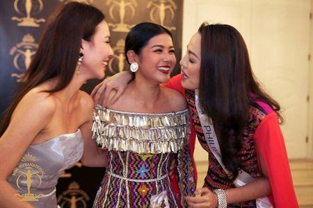 Le Quyen lot vao top 3 trang phuc da hoi dep nhat 'Hoa hau Sieu Quoc gia 2015' - Anh 3