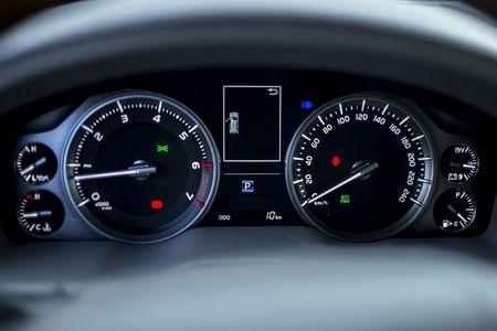 Toyota Viet Nam gioi thieu Land Cruiser 2015 - gia ban 2,825 ty dong - Anh 11