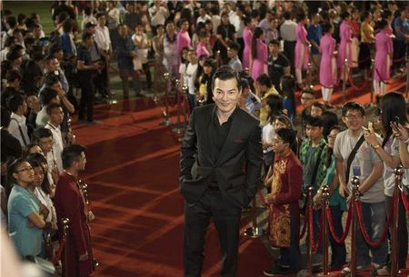 "Truong Ngoc Anh ""tinh tu"" voi Kim Ly, Tran Bao Son ""le bong"" tai tham do LHP Viet Nam 2015 - Anh 5"